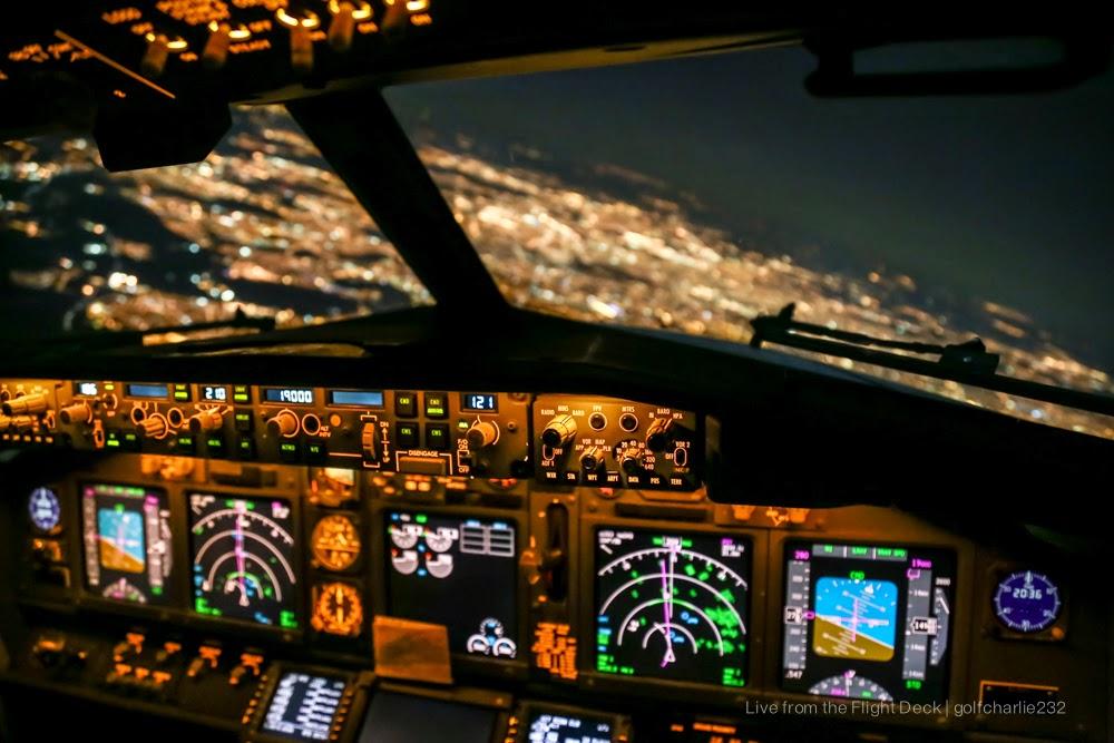 Live from the flight deck - 4k cockpit wallpaper ...