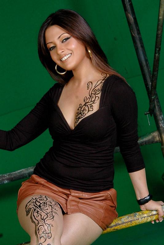 There are Riya sen bollywood actress think