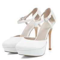 http://www.newlook.com/fr/shop/shoe-gallery/view-all-shoes/cream-bridal-ankle-strap-platform-heels-_353178012?productFind=search