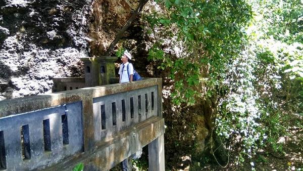 Pura Batu Pageh Tempat Melukat & Sembahyang