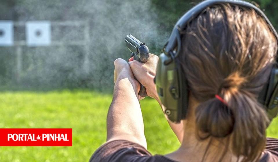 Bolsonaro cogita a redução da idade mínima para o uso de armas