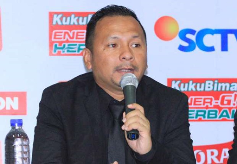 Ricky Nelson, dan Makna Jas di Sepak Bola Indonesia