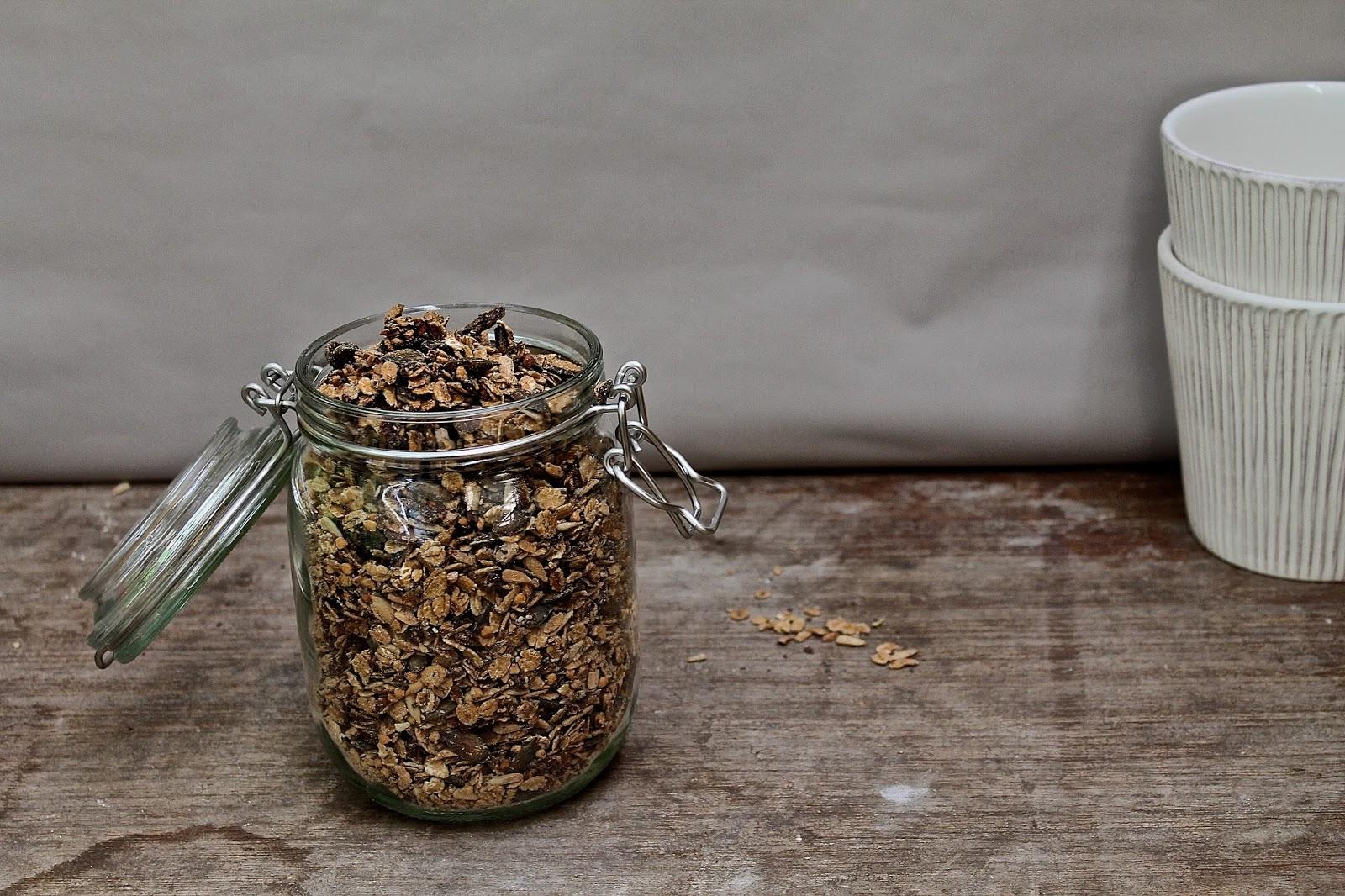 knusper knusper kn uschen homemade granola perfection. Black Bedroom Furniture Sets. Home Design Ideas