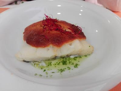 Bacalao con costra y salsa de ajo y perejil