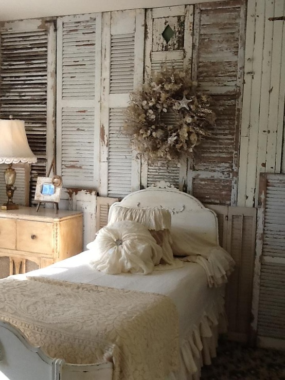 Lilly Queen Vintage Shabby Chic Beds