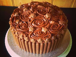 memilih-kue-ulang-tahun.jpg