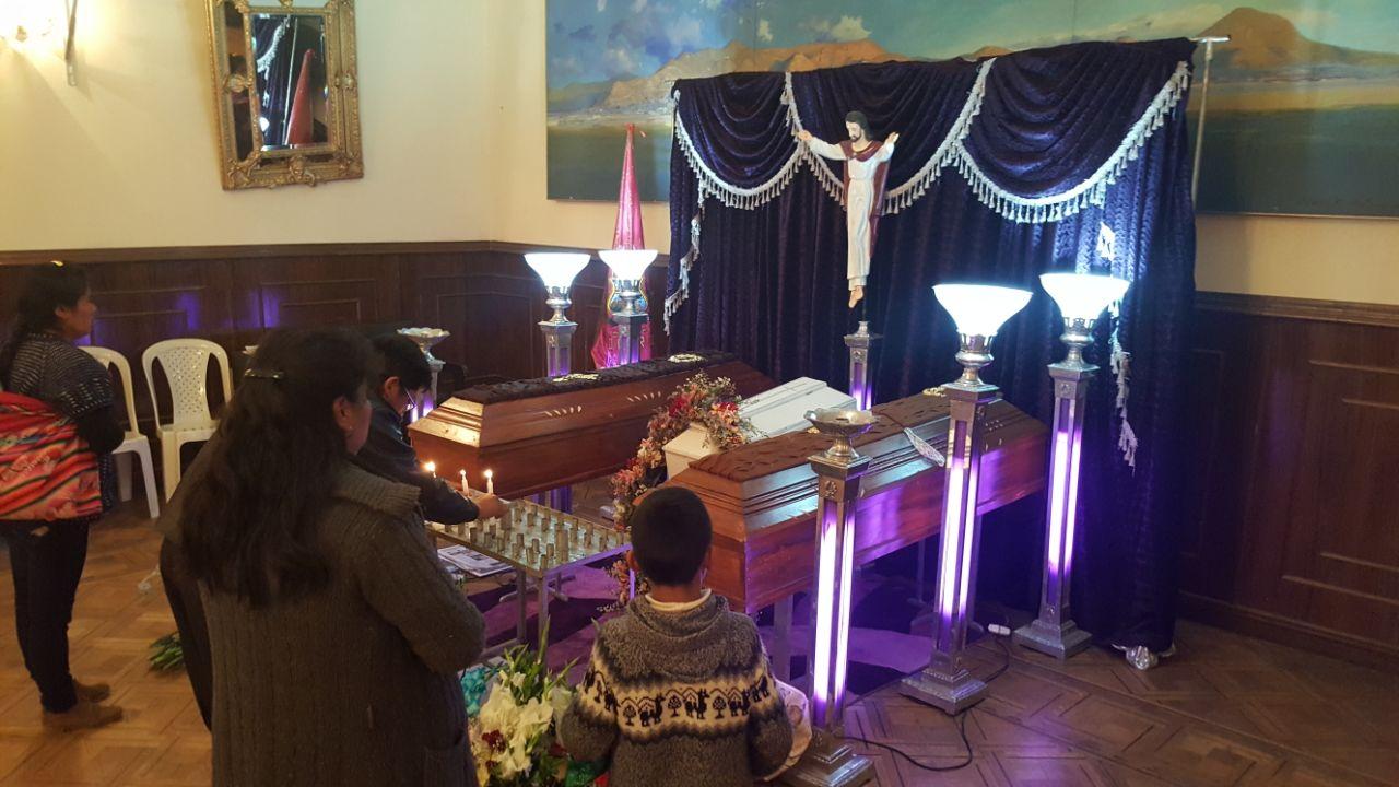 Los esposos junto a su bebé habían salido a la misa cuando ocurrió la detonación fatal / FIDES ARCHIVO