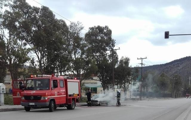 Φωτιά σε αυτοκίνητο στο Ναύπλιο
