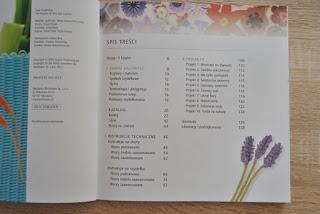 Piękne kwiaty. 100 modnych wzorów - Lesley Stanfield