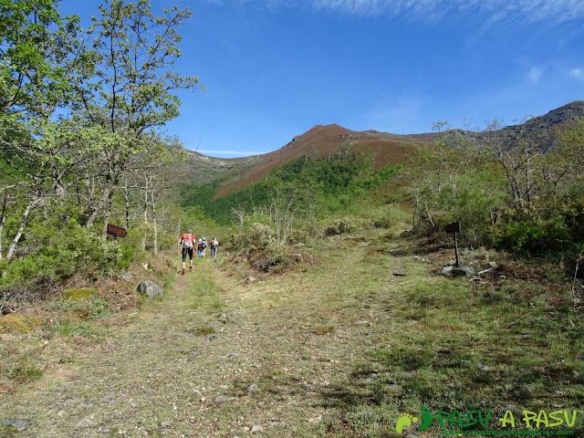 Ruta al Mustallar: Camino de Piornedo