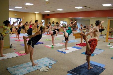 nemi's verden bikram yoga  en fersk yogi's bekjennelser