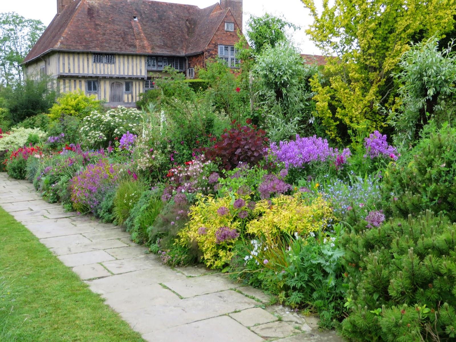 The Gardener S Eye The Best Of English Gardens 2015
