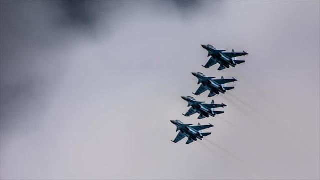 Cazas rusos bombardean a Daesh en apoyo al Ejército turco