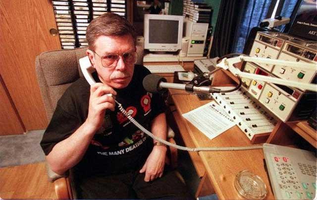 Telepon misterius dari mantan karyawan Area 51