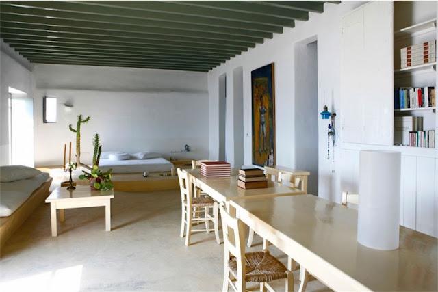 vigas del techo pintadas en verde casa en mykonos chicanddeco