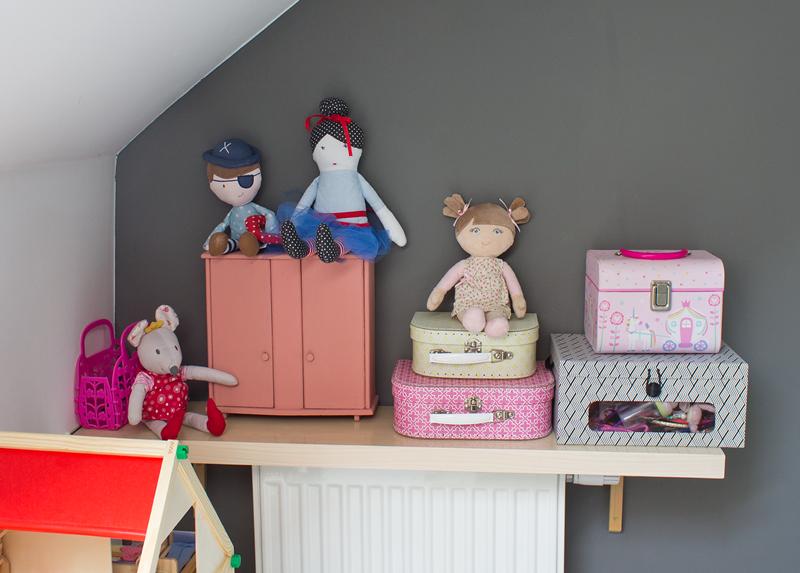 Szafa dla lalek retro, pluszowe zabawki, papierowy kuferek, walizeczka na drobiazgi, pokój dziewczynki