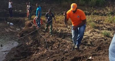 Tres menores desaparecen tras lanzarse en pozo en San Pedro de Macorís