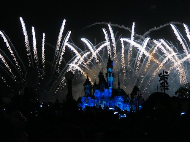 Hong Kong Disneyland ; Fireworks show
