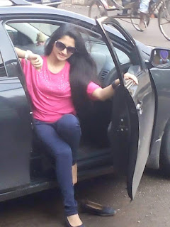 Puja Cherry Roy Opening the Car door