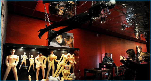 WEAM miami galeria erotica mas grnade del mundo
