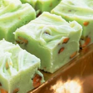 http://www.recipegoldmine.com/chrcandy/pistachio-fudge.html