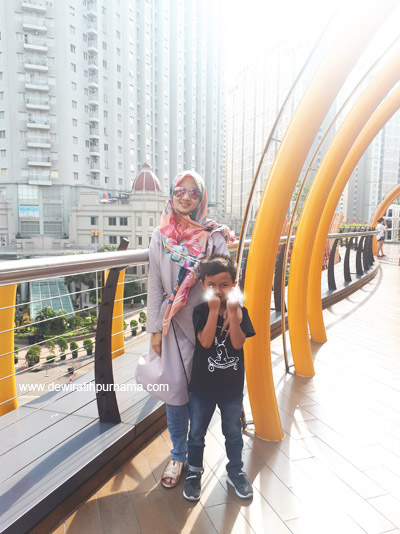 Eco Skywalk Central Park Jakarta