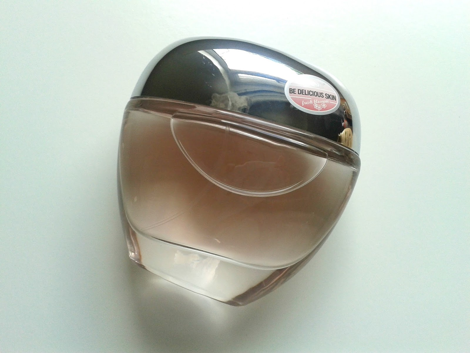 Ellis Tuesday's Summer Sun-days: Fragrances DKNY Be Delicious Skin EDT Fresh Blossom Beauty Review
