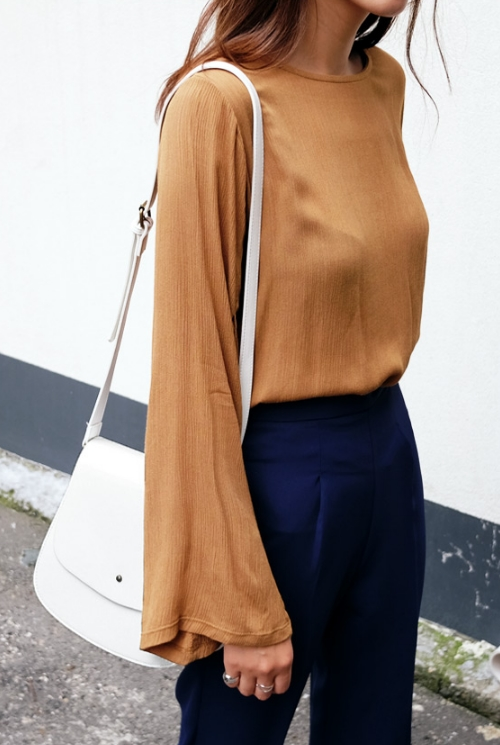 3 Buttons Wide Sleeve Wrinkle Blouse