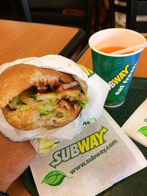 makan subway di bandara changi