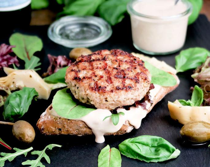 Recept Vitello-tonnato-burgers: kalfshamburgers met tonijnmayonaise