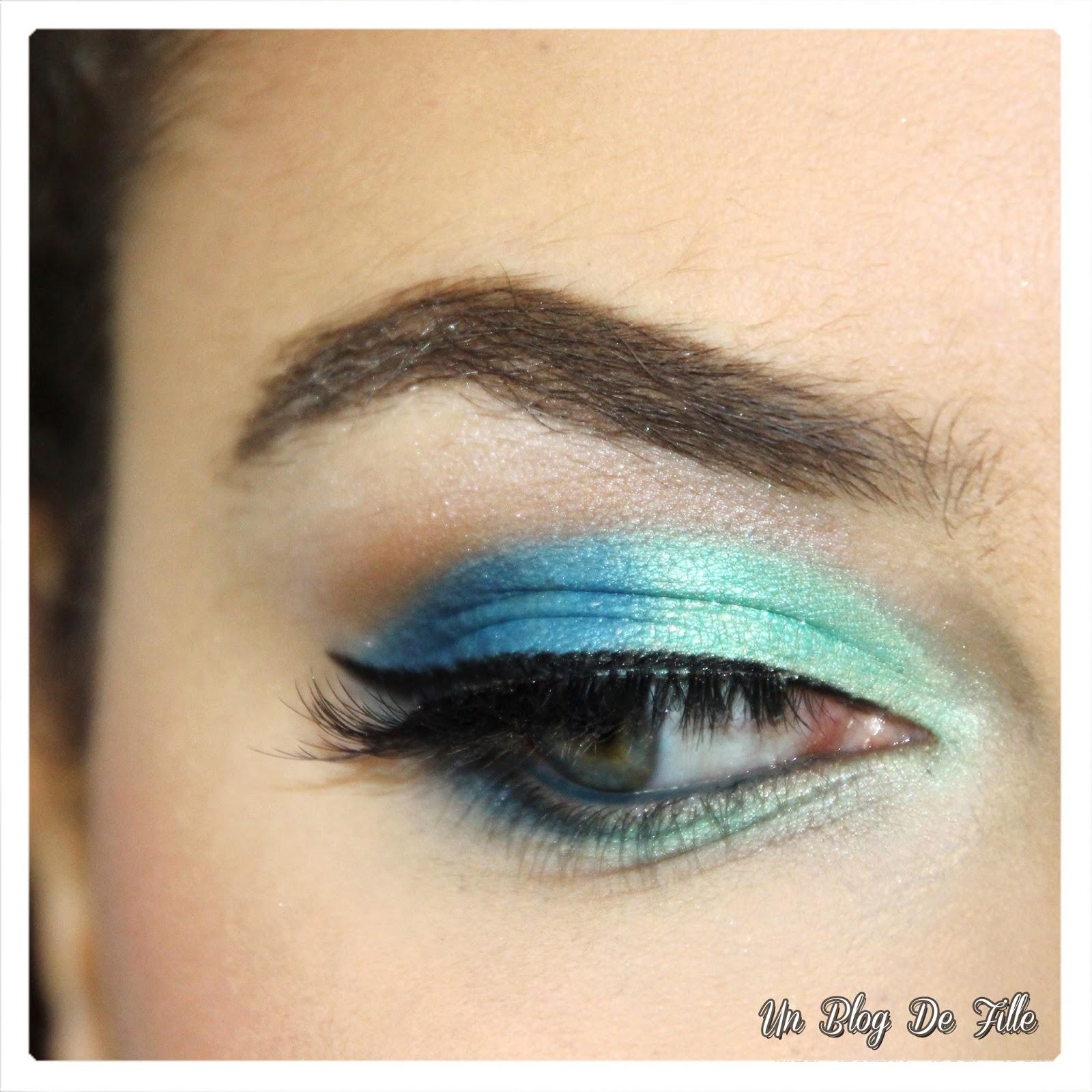 http://unblogdefille.blogspot.fr/2018/01/maquillage-du-fard-bleu-sur-des-yeux.html