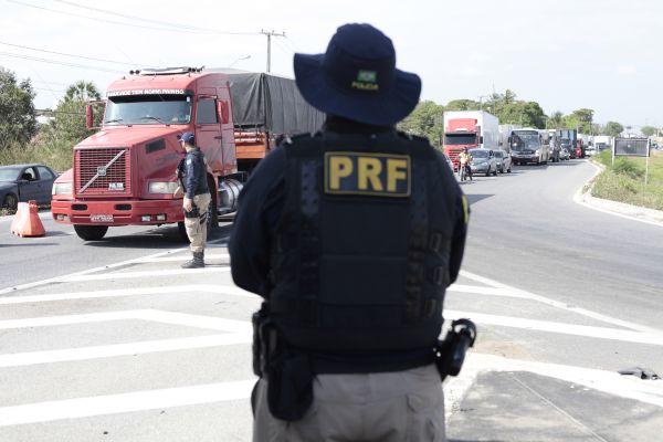 Policiais rodoviários são presos suspeitos de corrupção no Ceará