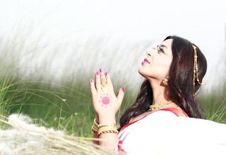 Jyotika Jyoti Praying