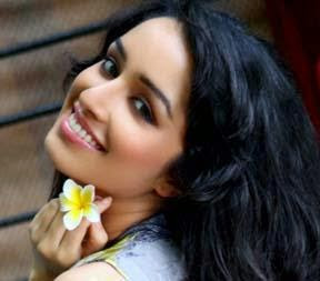 Shraddha Kapoor  IMAGES, GIF, ANIMATED GIF, WALLPAPER, STICKER FOR WHATSAPP & FACEBOOK