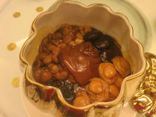 金猪蹄海味锅