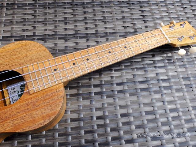 Mabuhay MC-11 Concert Ukulele fingerboard