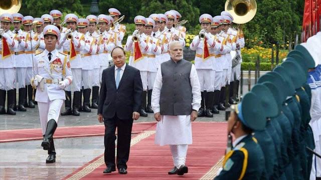 La India desafía a China en su patio trasero acercándose a Vietnam