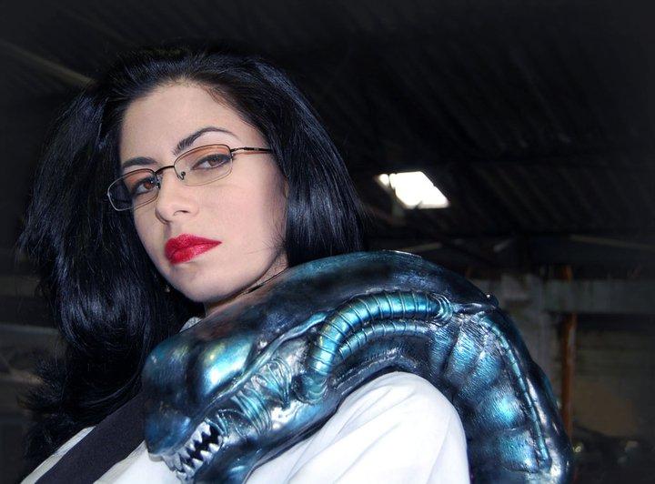887c4b12988 ... de este arte en Colombia, se trata de Melissa Jiménez, ella nació en  Bogotá (capital de Colombia) y se desempeña como cosplayer, artista y  diseñadora.