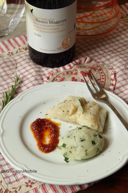 Baccalà saltato in padella aromatizzato alle erbe aromatiche e quenelle di patate