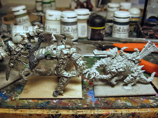 Epic Tyranid Heirophant Size Comparison