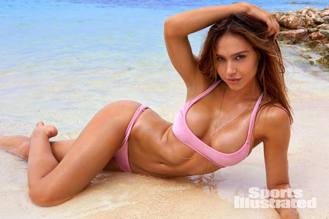 Alexis Ren is the 2018 Sports Illustrated Swimsuit Rookie of the Year