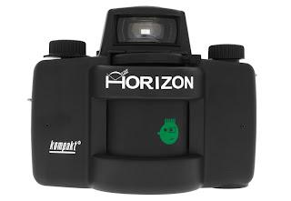 Moderna fotocamera Panoramica ad obiettivo rotante