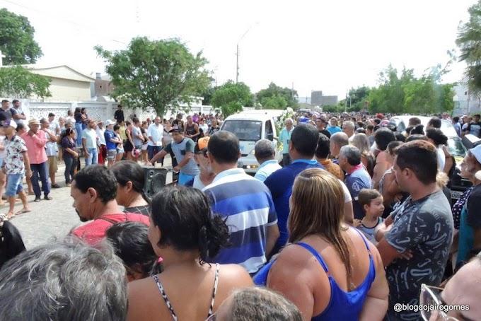 Sob dor e comoção familiares e amigos dão adeus ao radialista Claudemir Nunes