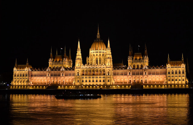 Cheap places to visit, cheap places to travel, backpacker destinations, student travel, budget, travelling, traveling, long term travel, cheap, inexpensive, regions, countries, area, places, saving money, India, Poland, Krakow, Cambodia, Ukraine, south east asia, eastern Europe, Slovakia, Vietnam, Hungary, Budapest, Bratislava, Vienna on the cheap, Bulgaria, Turkey, Philippines, Czech Republic, Bolivia, Egypt, Thailand, Vietnam