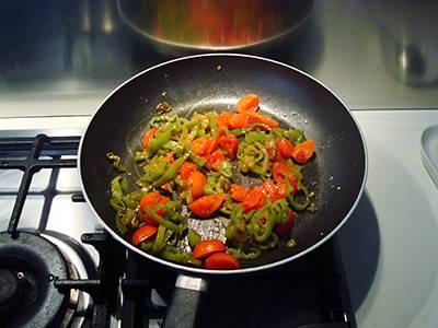 Pasta con peperoni e pomodorini 7