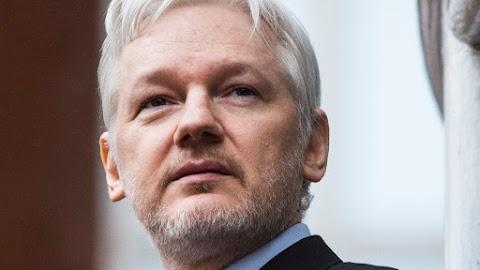 Kezdeményezték Svédországban Assange őrizetbe vételét
