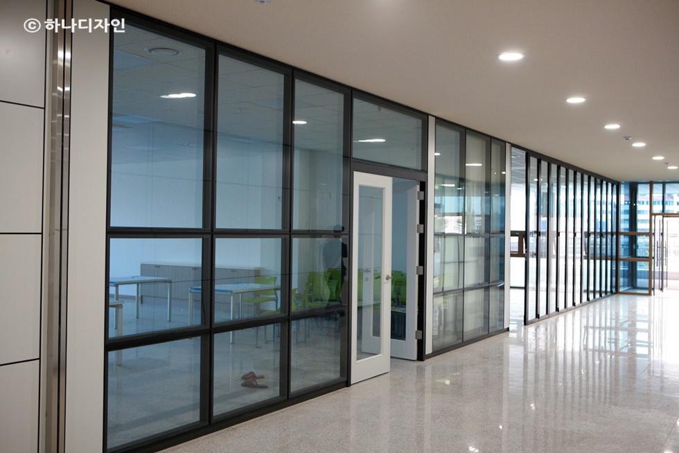 사무실 칸막이 - 사무공간 벽 인테리어 공사 - MAGNETPARK