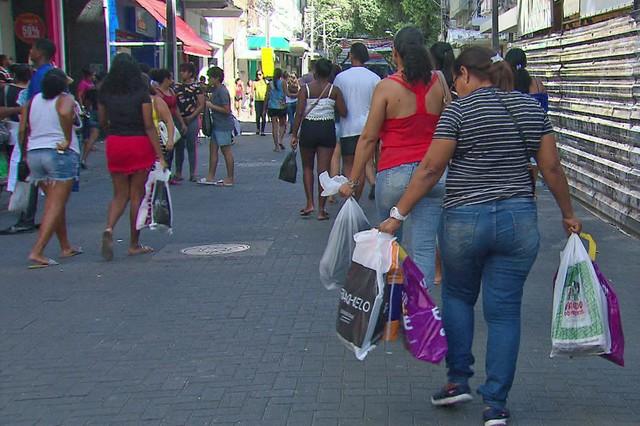 Veja o que abre e o que fecha no Ano Novo no Grande Recife