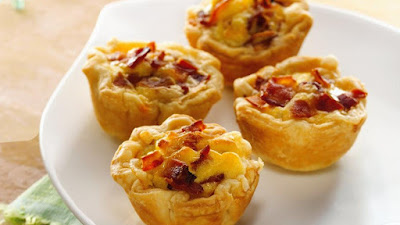Bacon Egg and Cheese Biscuits