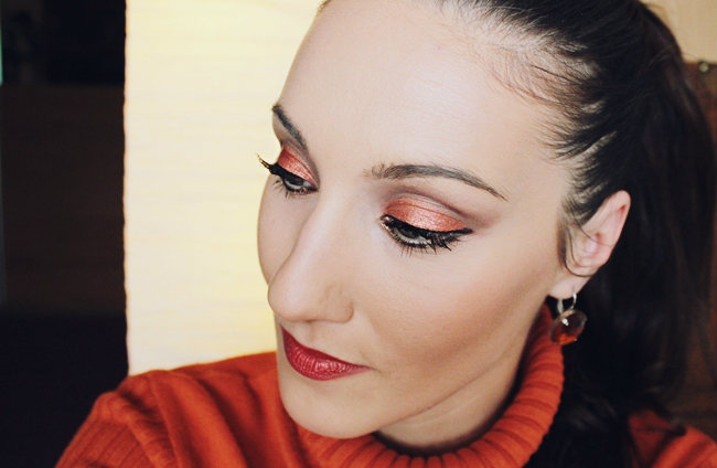 How to wear orange makeup, orange lips and eyes